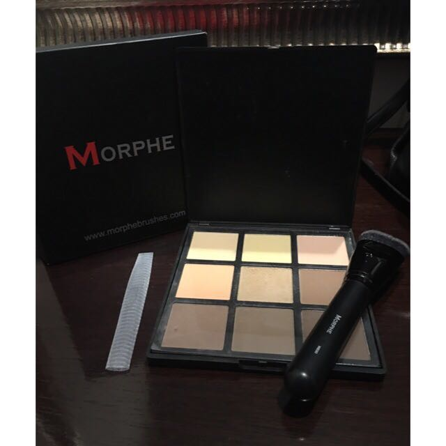 Morphe 9c (preloved) - 9 color contour palette Powder for contour & Highlight