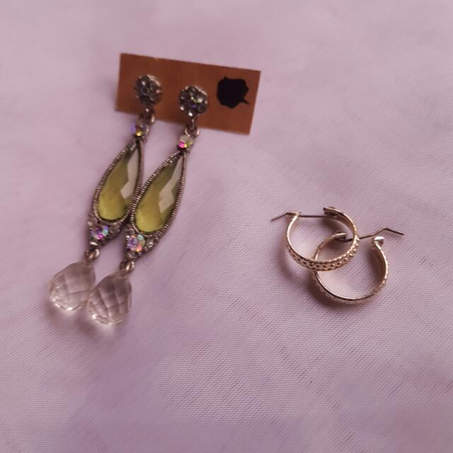Set Of 2 Earrings