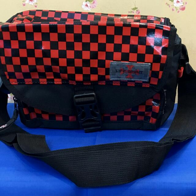 17ae1dcddf20 Sling Bag / Camera Bags, Electronics on Carousell