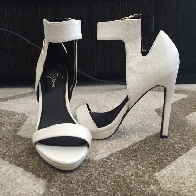 White Heels Spur Size 6