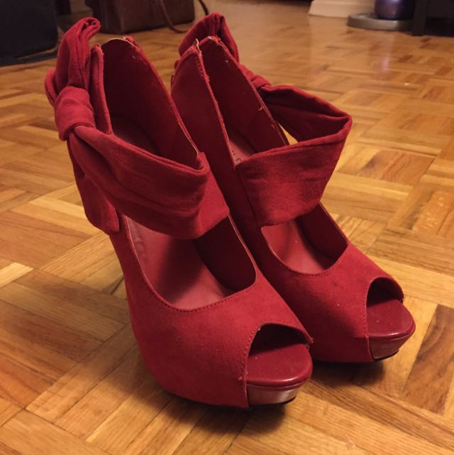 Wild Diva Red Pumps
