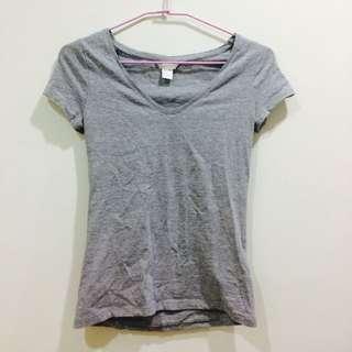 H&M 修身 腰身 V領 T恤