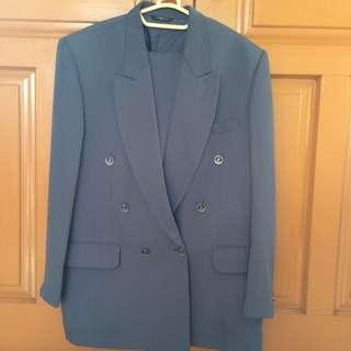 La'well Suit