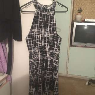 Valleygirl Black And White Dress Size Large