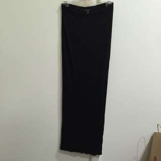 $5 - Pick Up - Tight Fitted Full Length Skirt