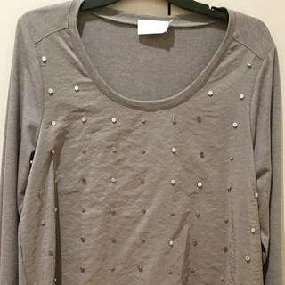 HESS brand Silver Stud Front Top.
