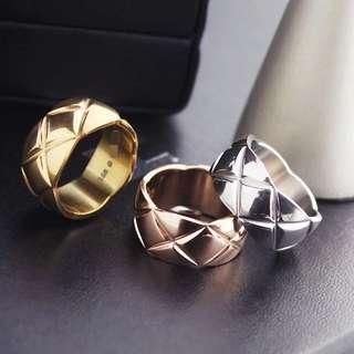 ✦✦ HandBox ❧  ✦✦ 精品款菱格紋高質感 戒指 【三色 】女款 戒指 純鋼