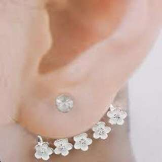 Ear Cuff/Ear Jacket silver plated with White Flowers And Stud
