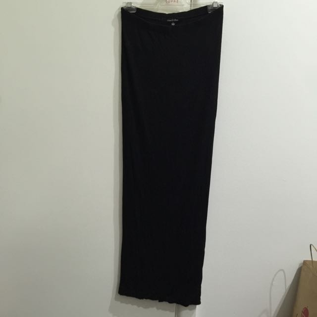 $5 - Pick Up - Tight Fitted Full Length Skirt