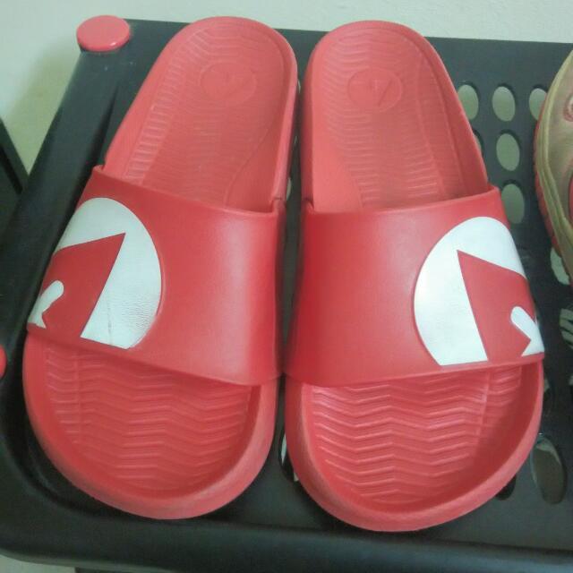 Airwalk 紅色拖鞋