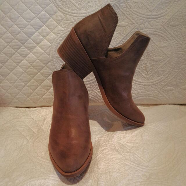 Betts Boots Size 9