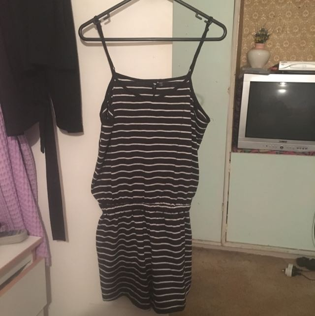 Cotton On Playsuit Size Large Never Worn!