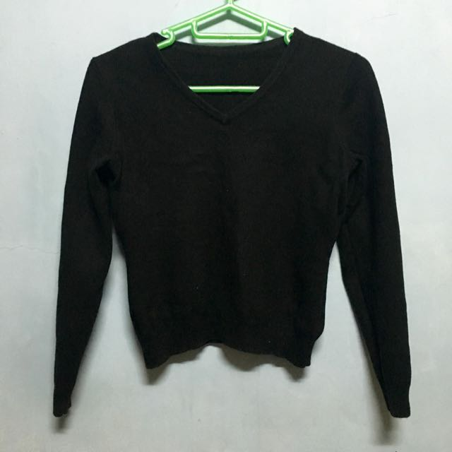Cropped Black Pullover
