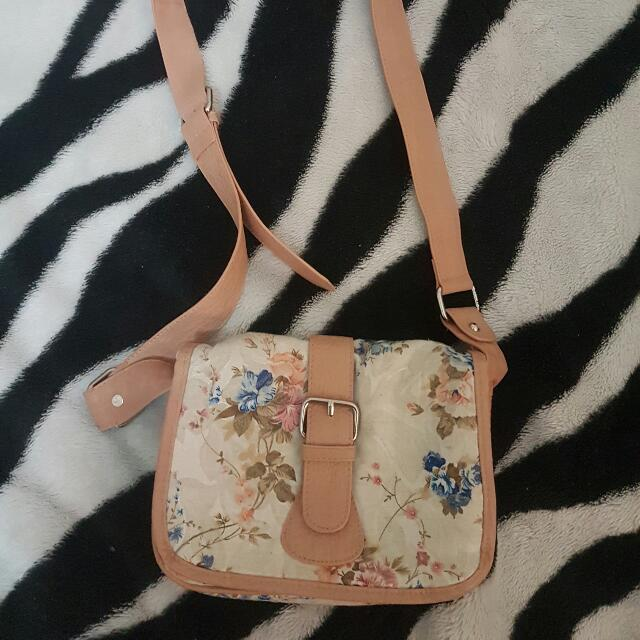 Forever New Floral Side Bag