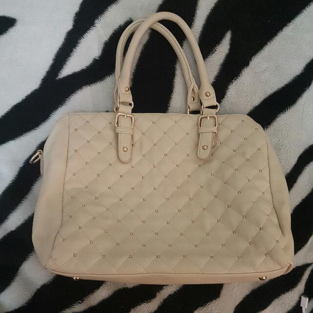 Forever New White Leather Gold Quilted Hand Bag With Side Chain