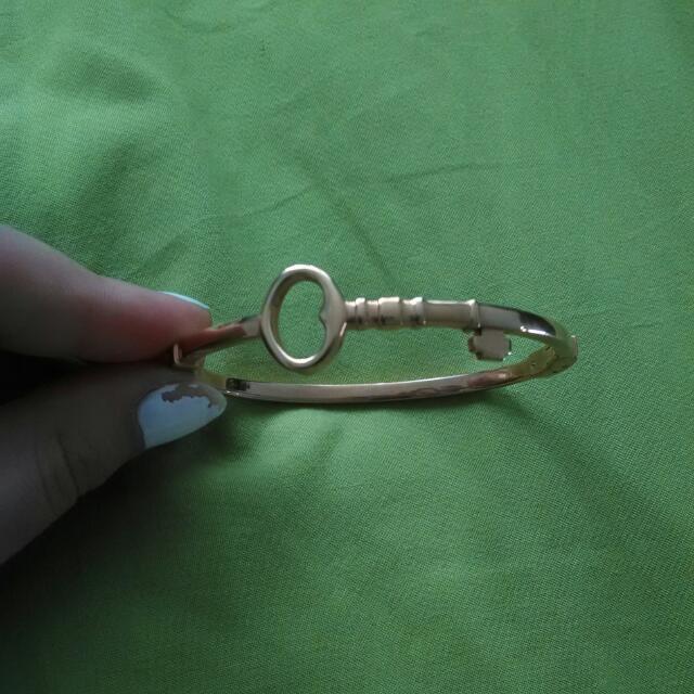 Key Bangle