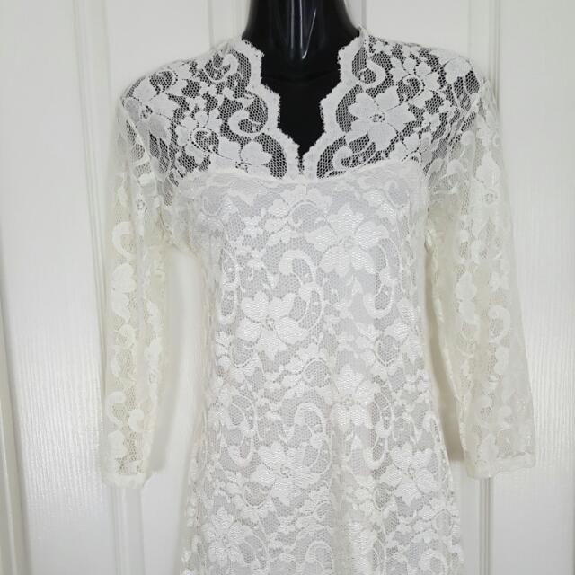 Ladies 8 Cream Lace Mini Dress