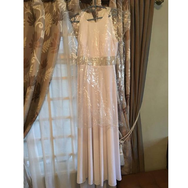 Linoi haute couture White Gown - XXL (Preloved)