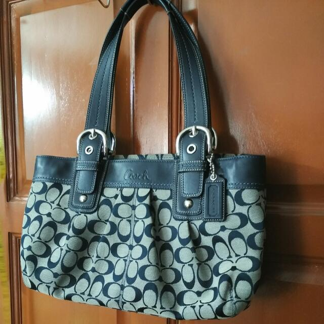 🌸REDUCED🌸Authentic Coach Navy Blue Shoulder Bag