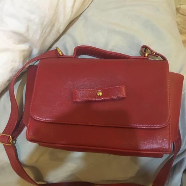 Tas Merah (red Bag) Trapeze