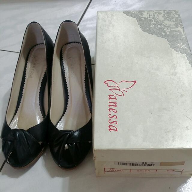 Vanessa專櫃女鞋 黑色 交叉結 素面 高跟 露指 上班族 OL 熟女必備