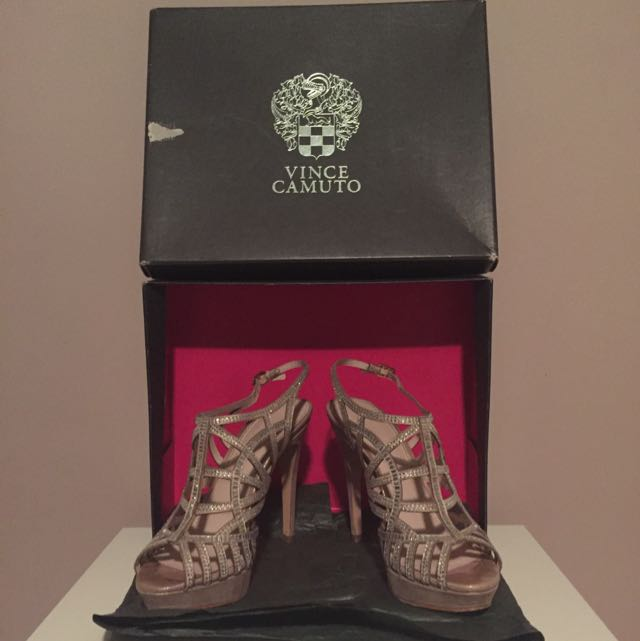 *REDUCED Vince Camuto Heels
