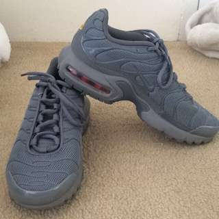 Limited Edition Grey Tn Women