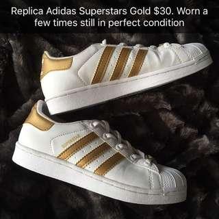 Adidas superstars Replicas Sz 6 PENDING