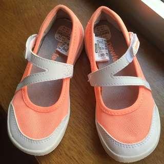 迪卡儂運動涼鞋