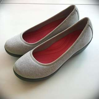 New Crocs Ballet Wedge Light Grey (Best Px:$28)