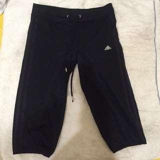 adidas黑色運動五分褲