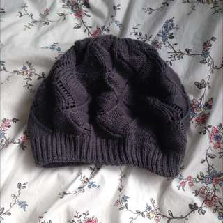 knitted charcoal beanie