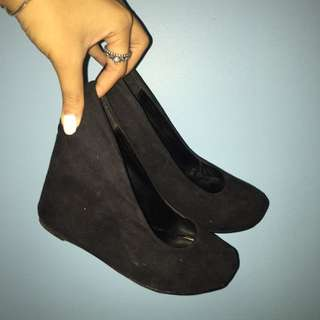 ✨Black Suede Wedges ✨