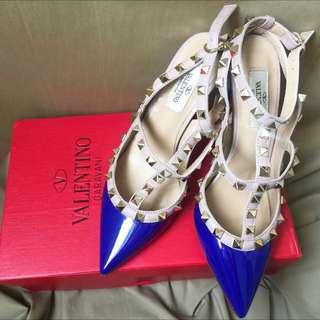 專櫃精緻版:卯釘漆皮二環高跟鞋-寶藍Roger Vivier/RV/Valentino可參考