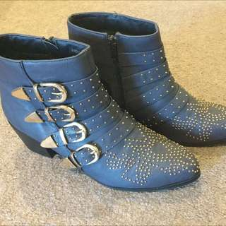 Boots Size 40/9.5