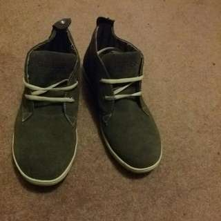 Guess GMBARNES Shoes