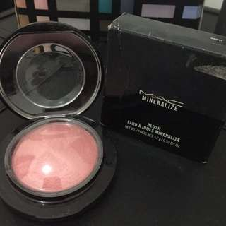 MAC mineralize blush (dainty)