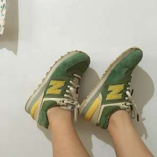 NewBalance綠色夏威夷風情慢跑鞋