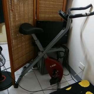 Xbike健身腳踏器 收放自如不佔空間1599出清