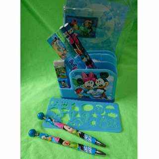 Mickey & Minnie Mouse Stationery Set