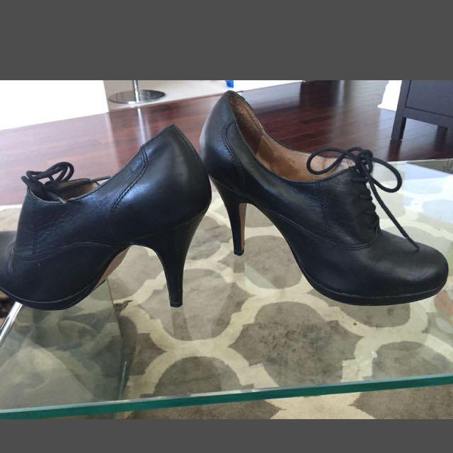 7.5 Aldo Lace Up Boogie Heels
