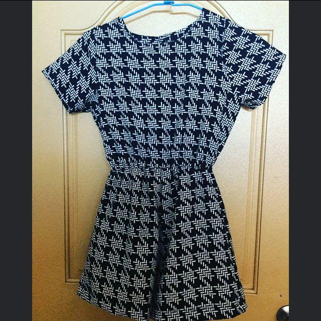 國外購入黑白幾何形狀褲裙