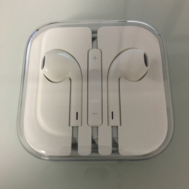 NEW Apple Genuine headphones