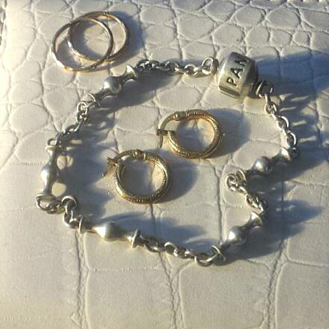 Authentic Pandora Bracelet, 9k Gold Ratings, Gold Sleepers