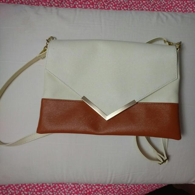 Beige/Brown Clutch/Side Bag