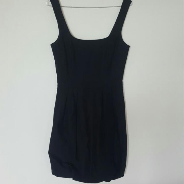 Cue size 8 black dress