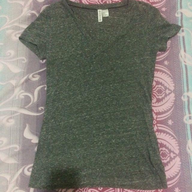 H&M Gray T-shirt
