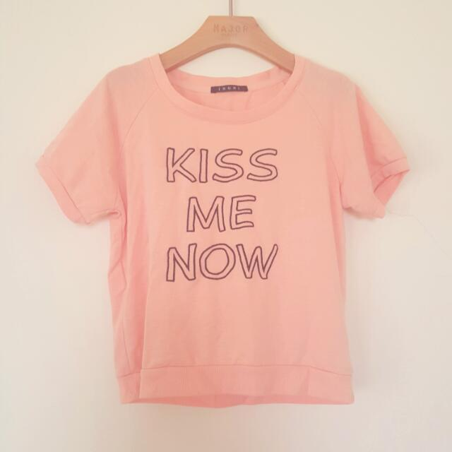 Kiss Me情人節 短版上衣T
