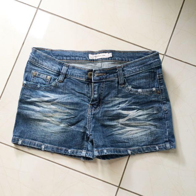 Magnolia Hot Pants
