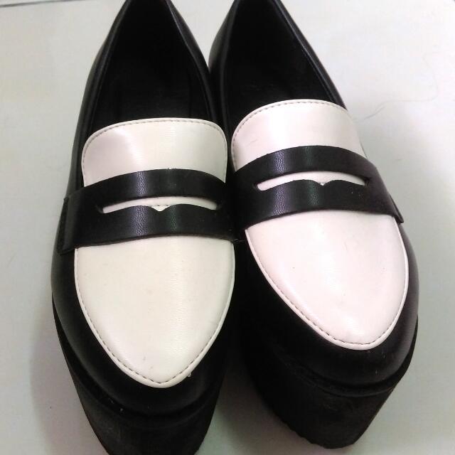 Meier. Q黑白學院風厚底鞋